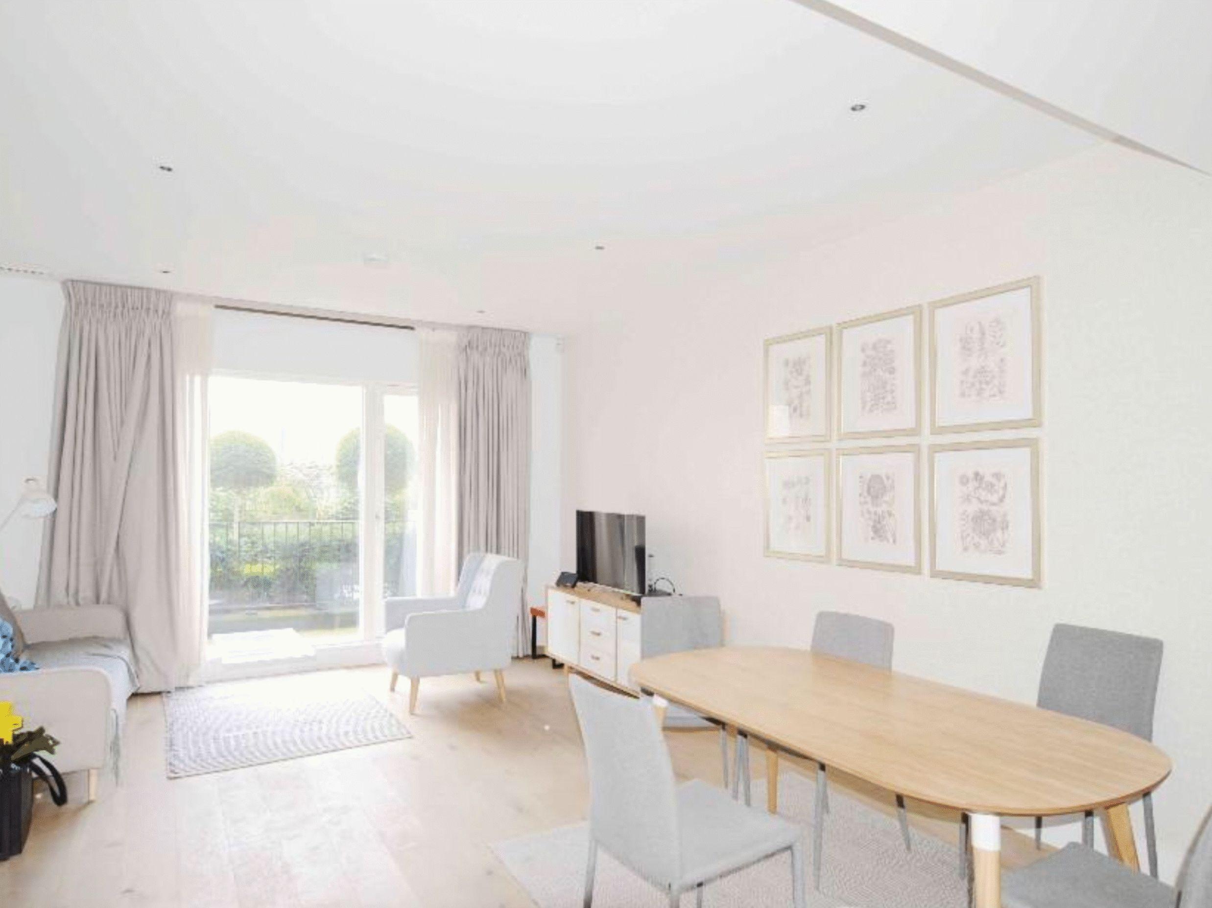 2 bed  to rent in Ebury Bridge Road  - Property Image 3