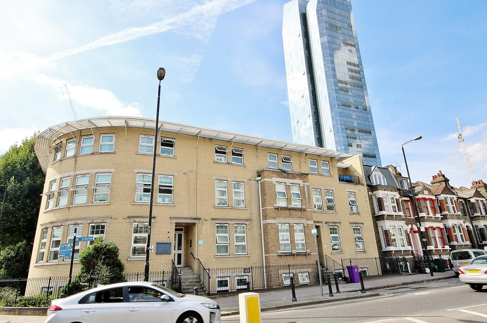 2 bed flat for sale in Walkers Lodge, E14