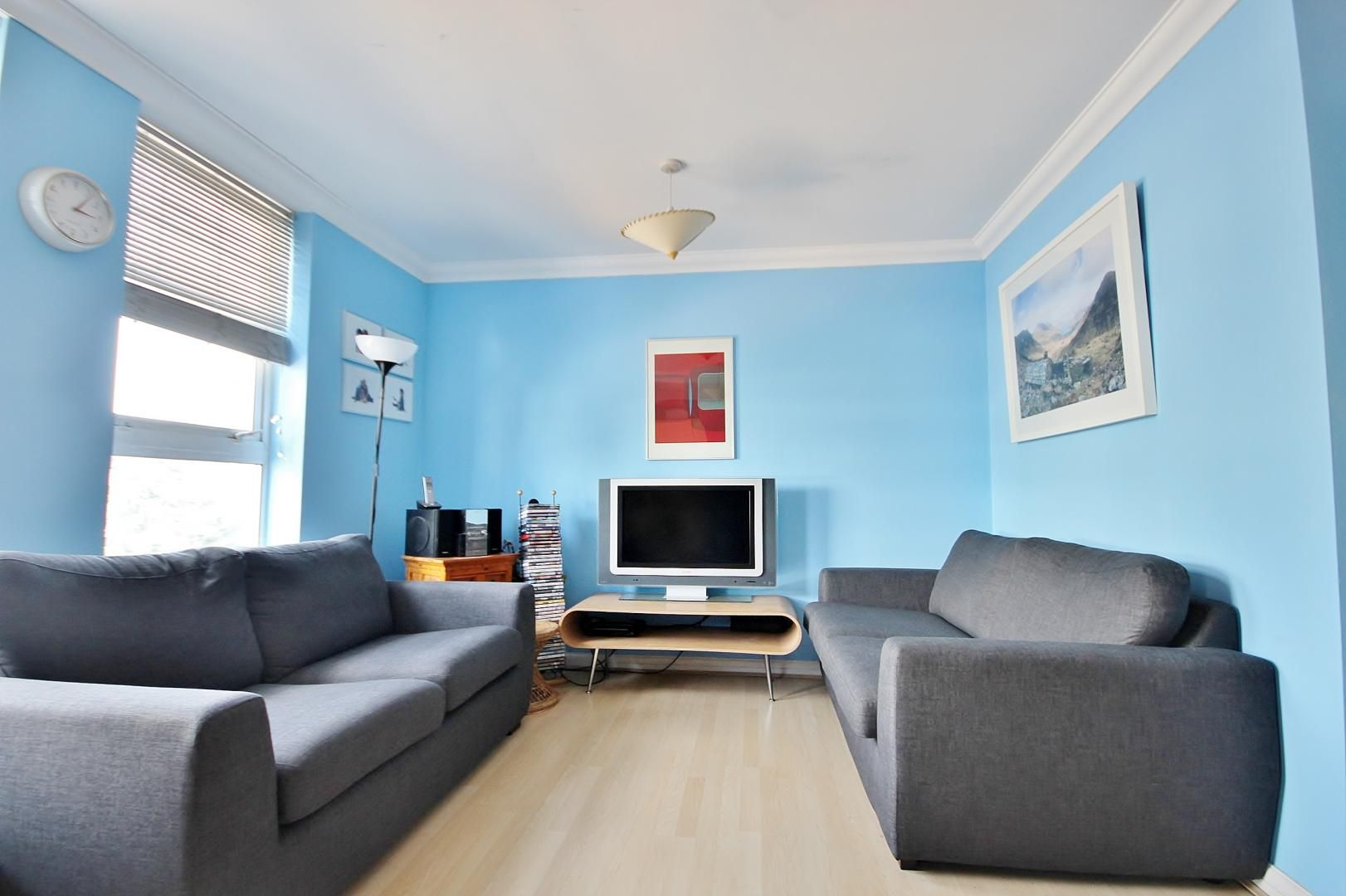 2 bed flat for sale in Walkers Lodge  - Property Image 2