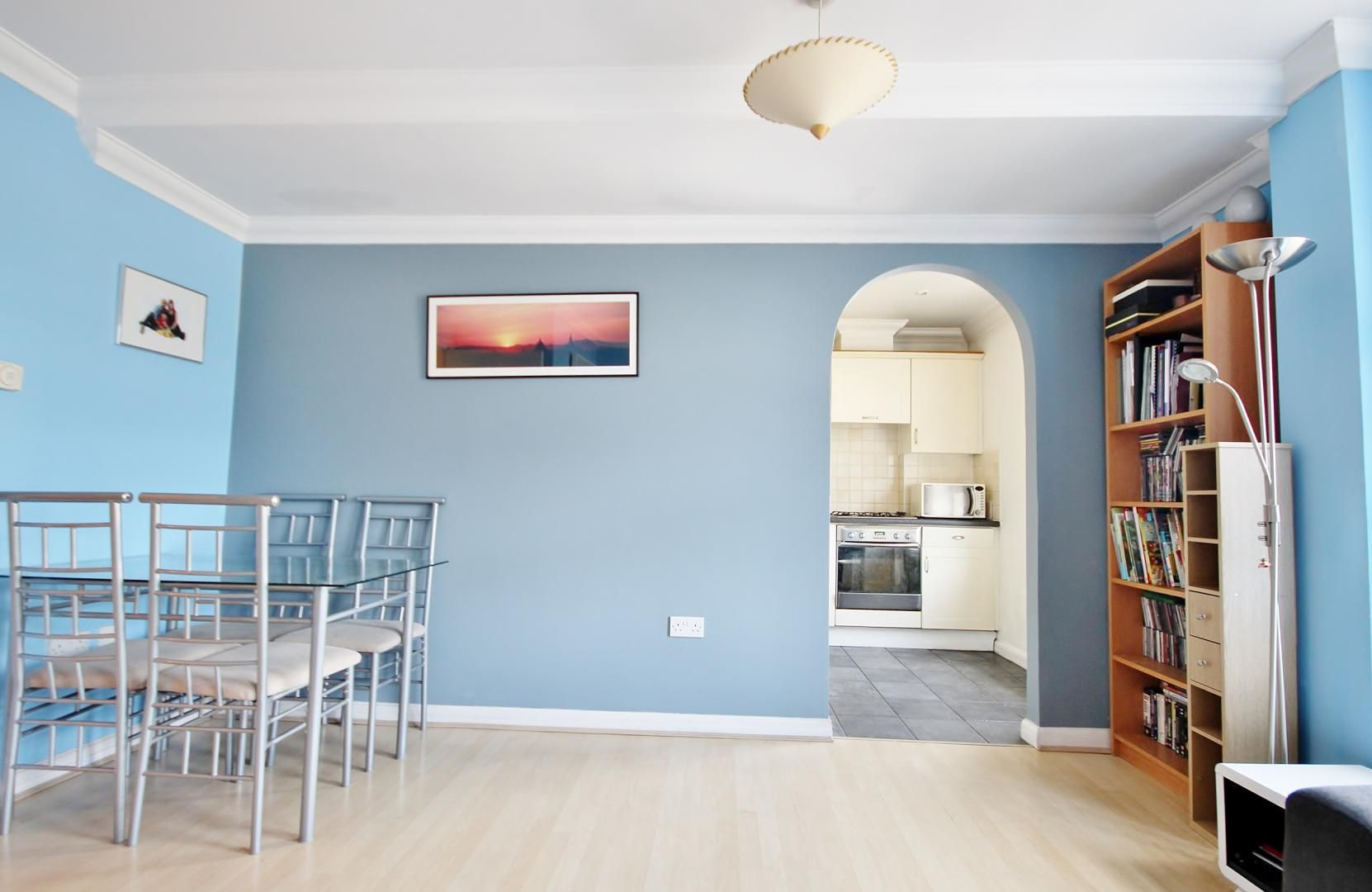 2 bed flat for sale in Walkers Lodge  - Property Image 4