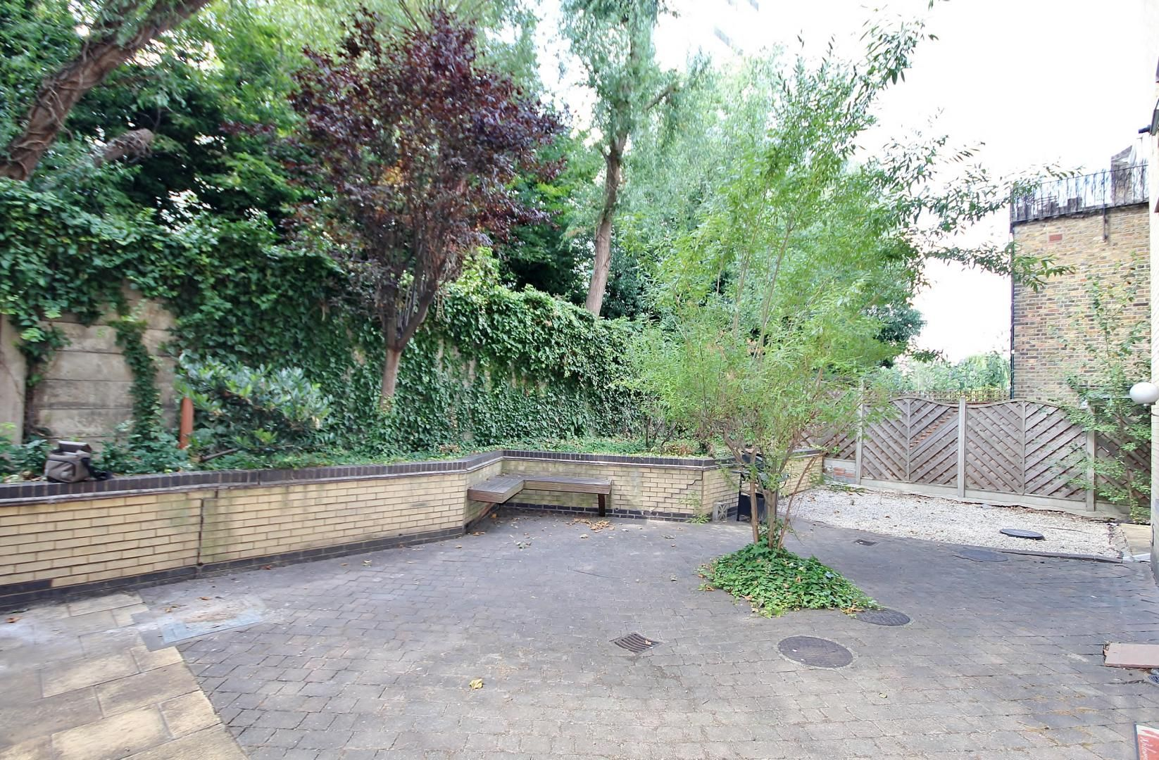 2 bed flat for sale in Walkers Lodge  - Property Image 9