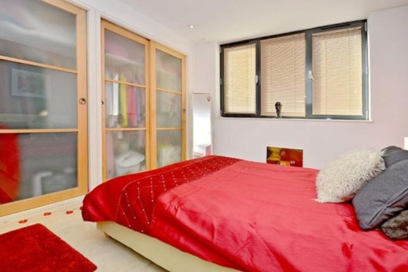 2 bed flat to rent in 19 Leman Street  - Property Image 2