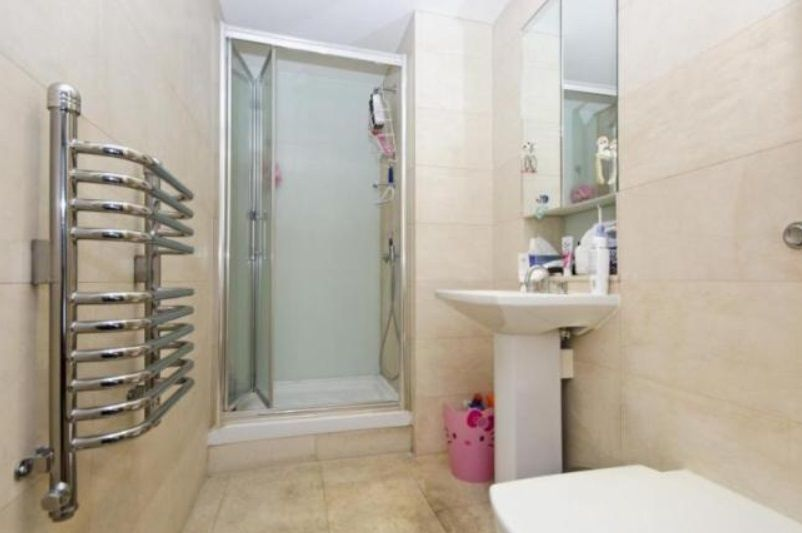 2 bed flat to rent in 19 Leman Street  - Property Image 4