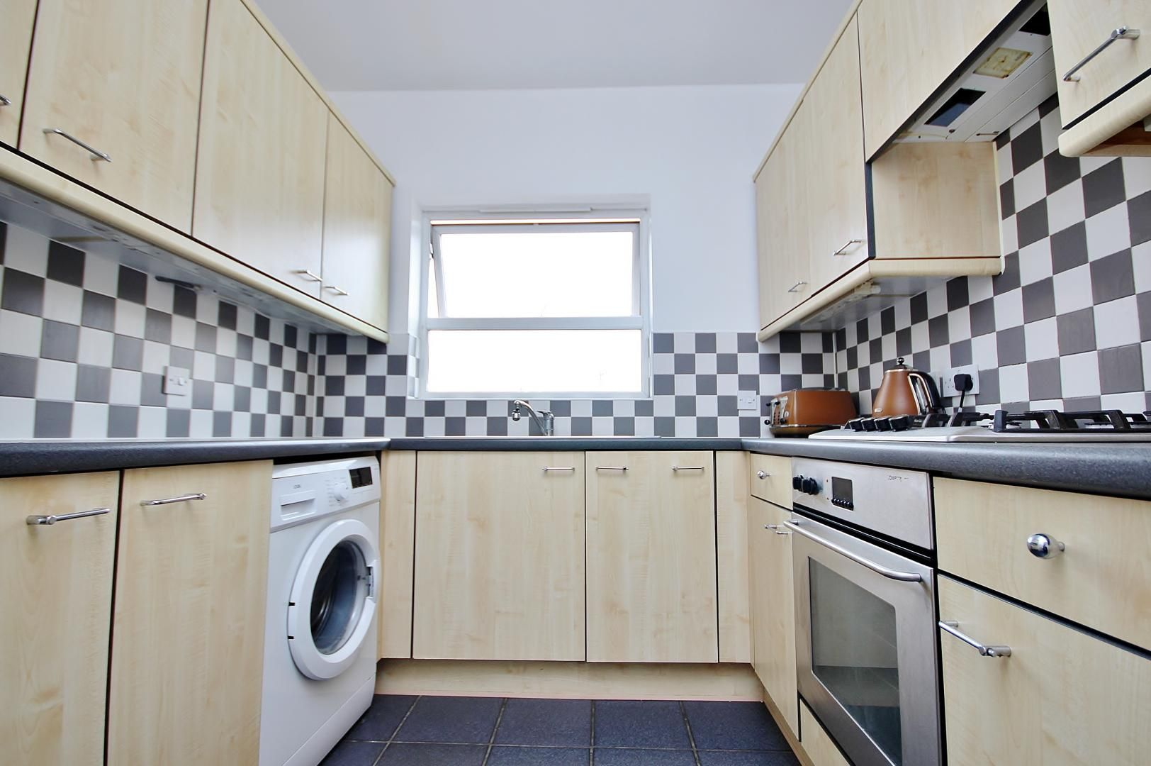 2 bed flat to rent in Cadnam Lodge  - Property Image 4