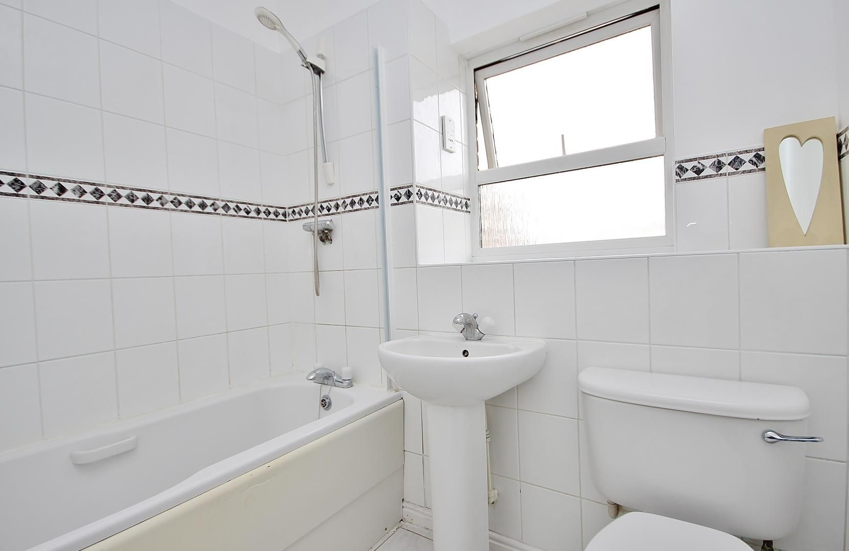 2 bed flat to rent in Cadnam Lodge  - Property Image 8