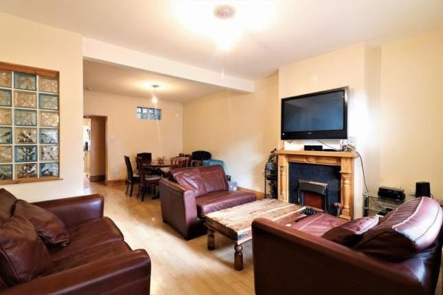 3 bed  for sale in Glendish Road  - Property Image 3