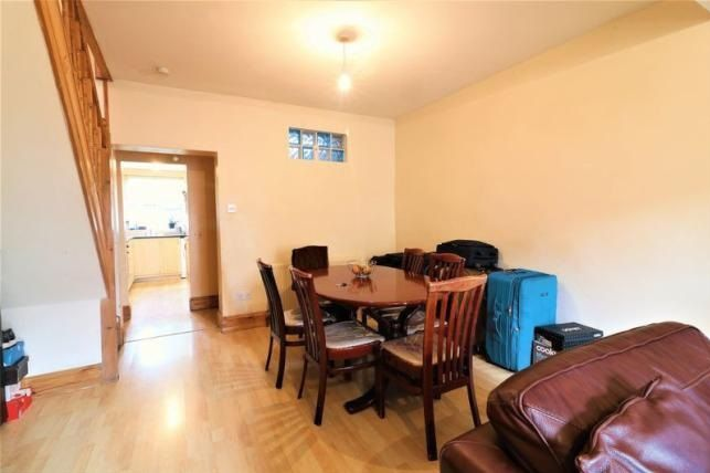 3 bed  for sale in Glendish Road  - Property Image 4