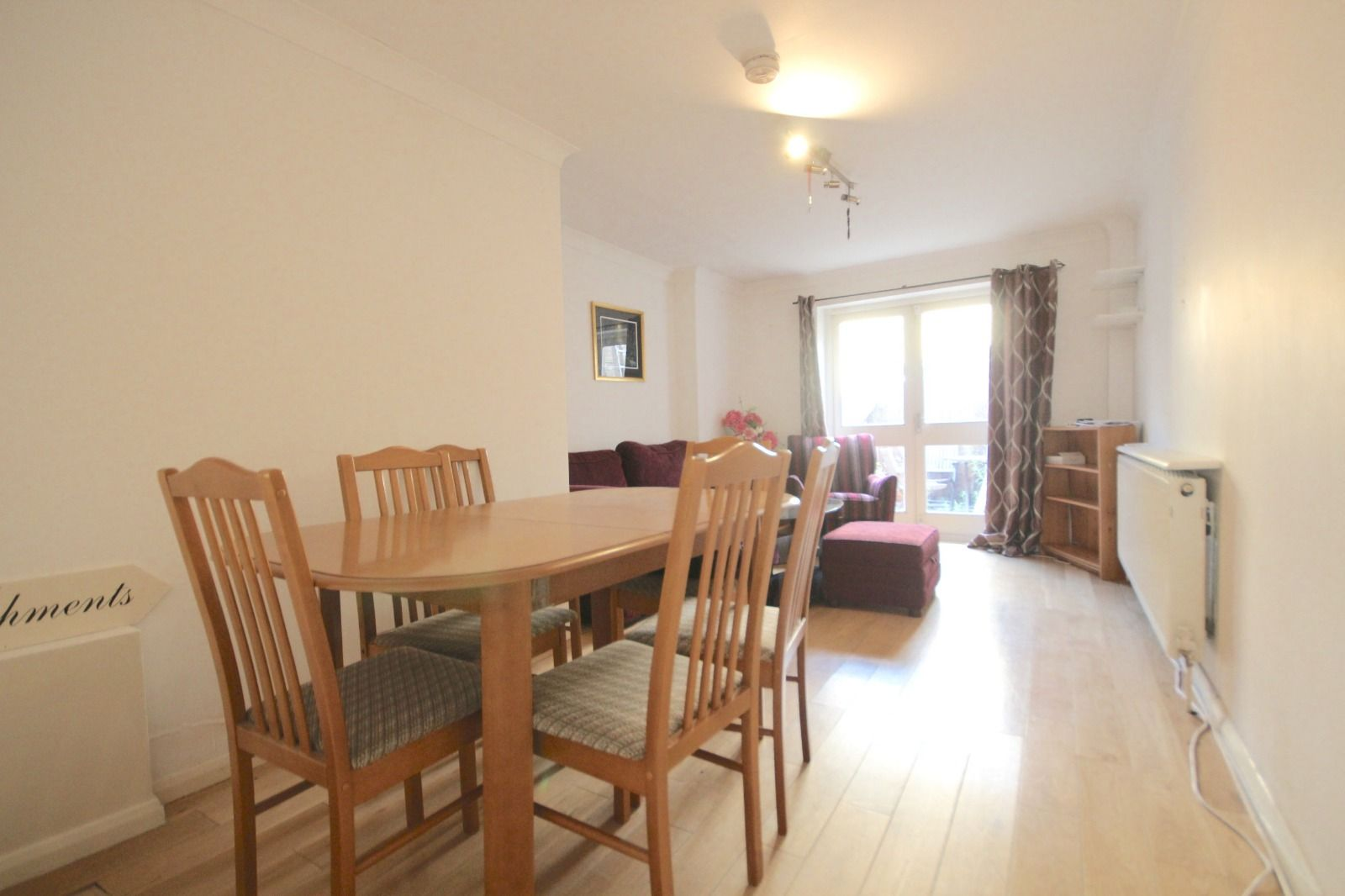 2 bed flat to rent in Southgate Road  - Property Image 3