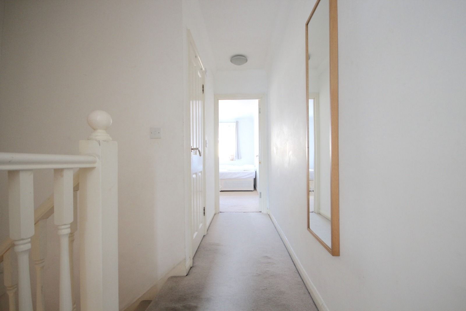 2 bed flat to rent in Southgate Road  - Property Image 5