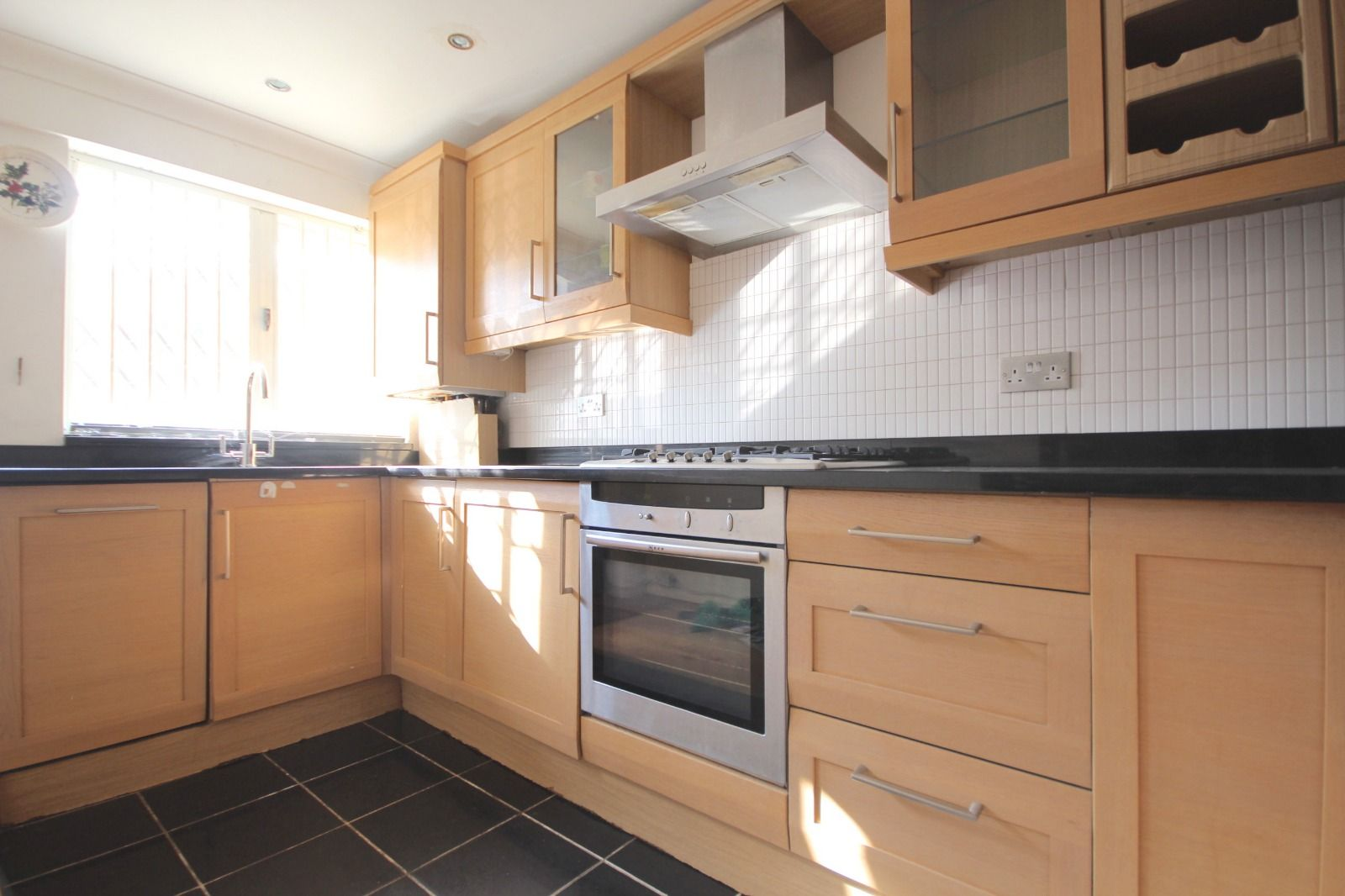 2 bed flat to rent in Southgate Road  - Property Image 7