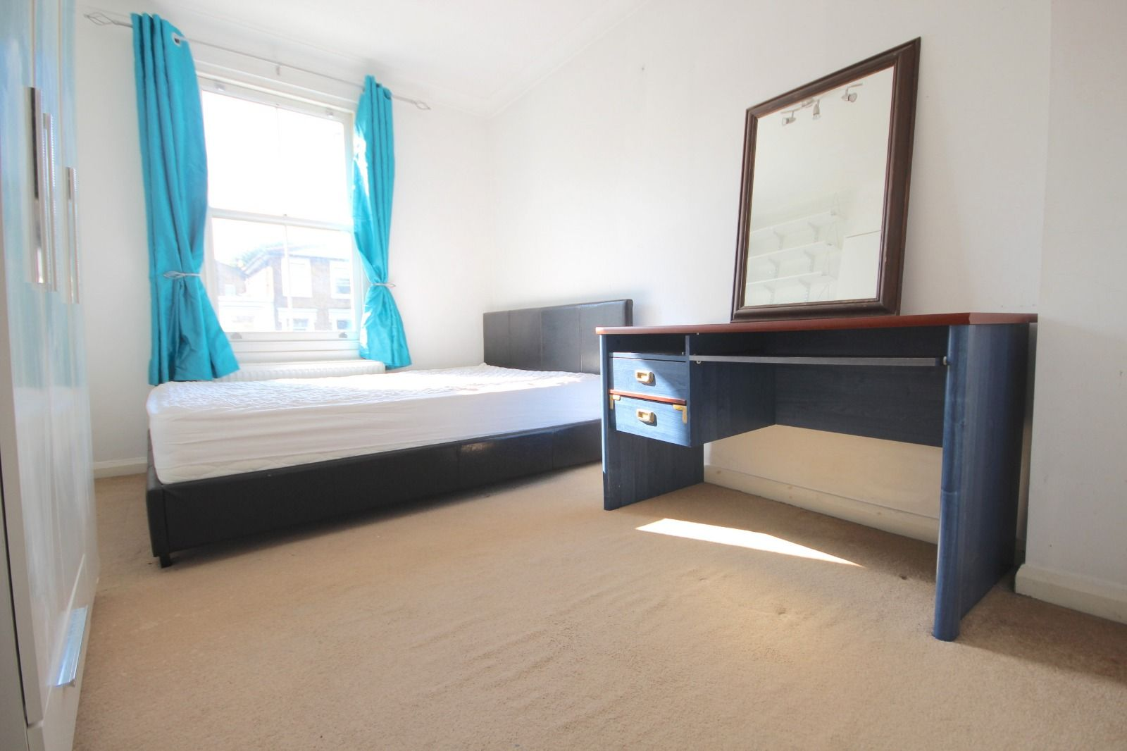 2 bed flat to rent in Southgate Road  - Property Image 9
