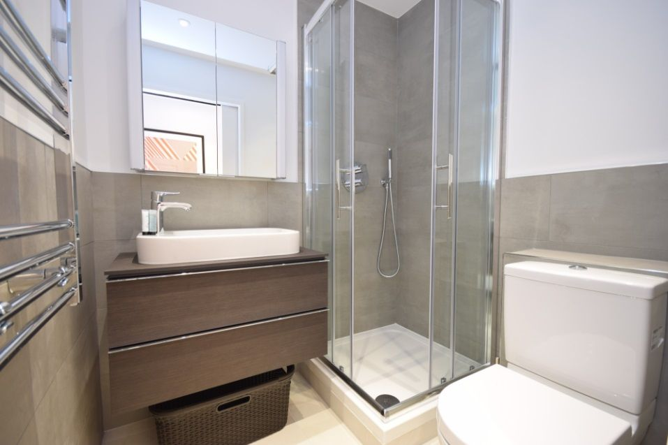 to rent in Bruges Place  - Property Image 3