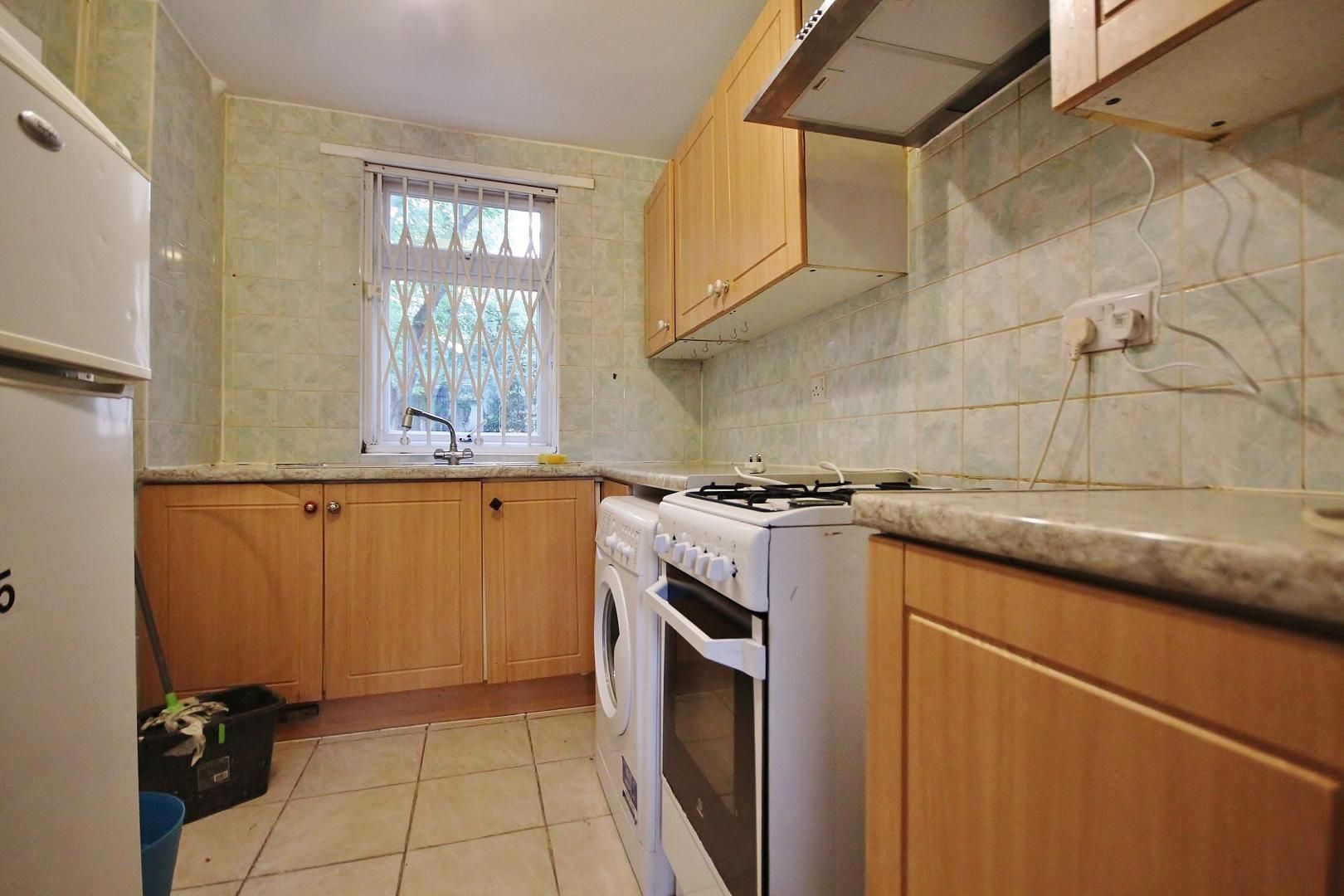 4 bed house to rent in Rounton Road, E3