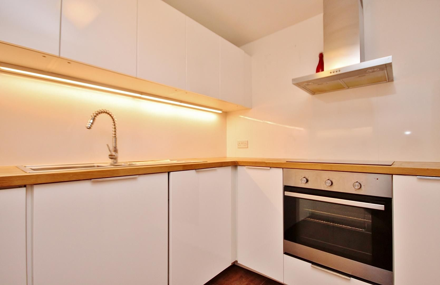 1 bed flat to rent in Taffrail House DELETE  - Property Image 1