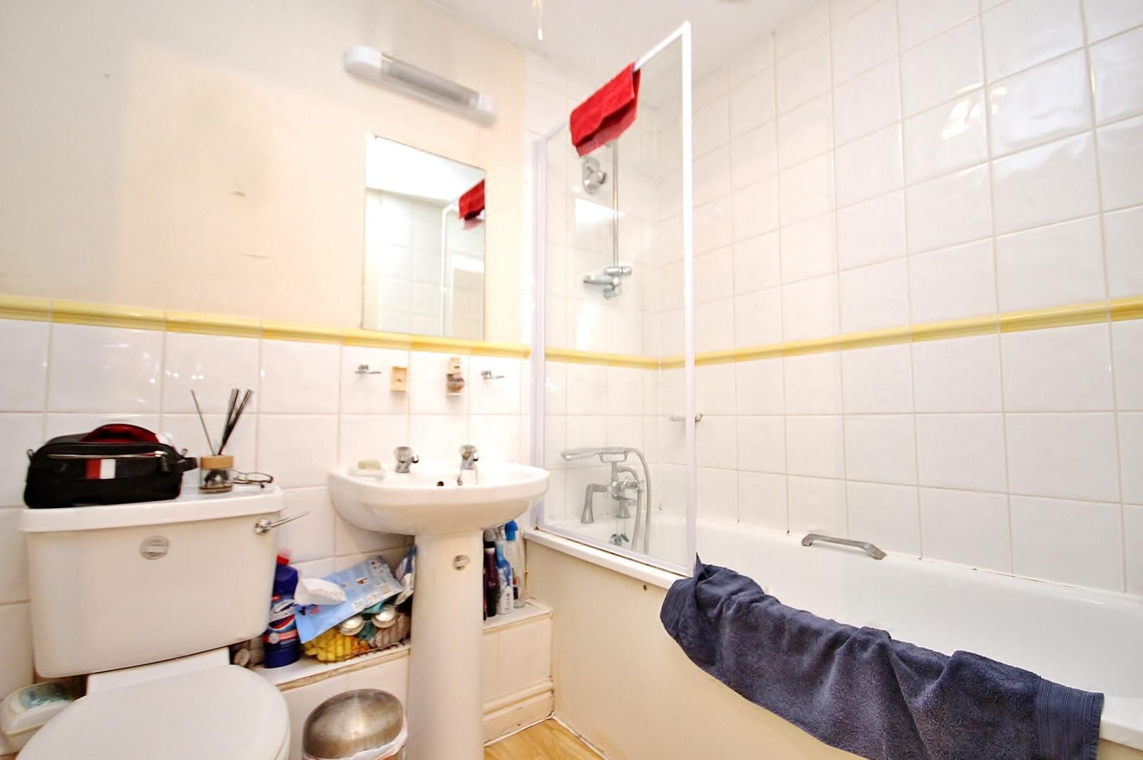 2 bed house for sale in Thomas Cribb Mews  - Property Image 8