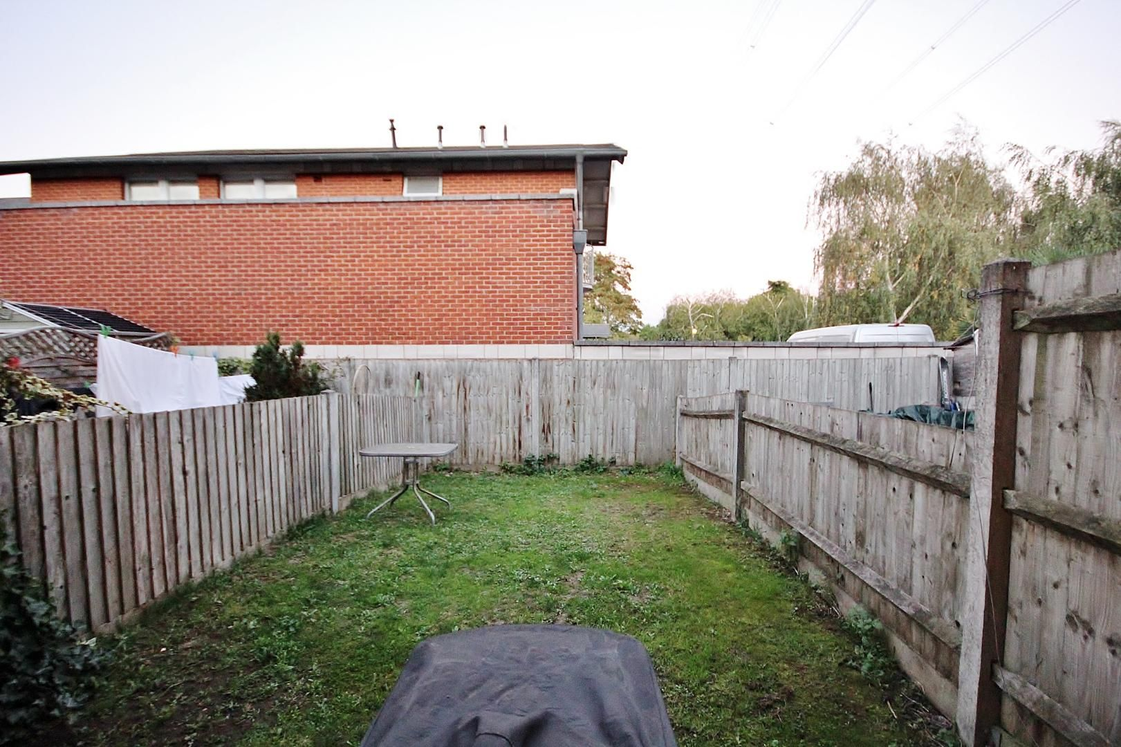 2 bed house for sale in Thomas Cribb Mews  - Property Image 10