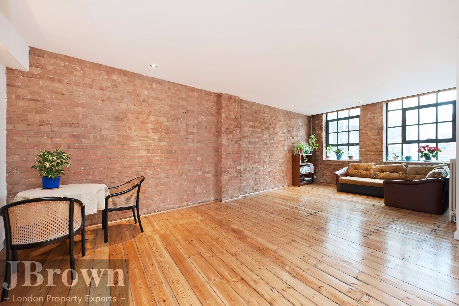 2 bed flat to rent in Nexus House  - Property Image 3