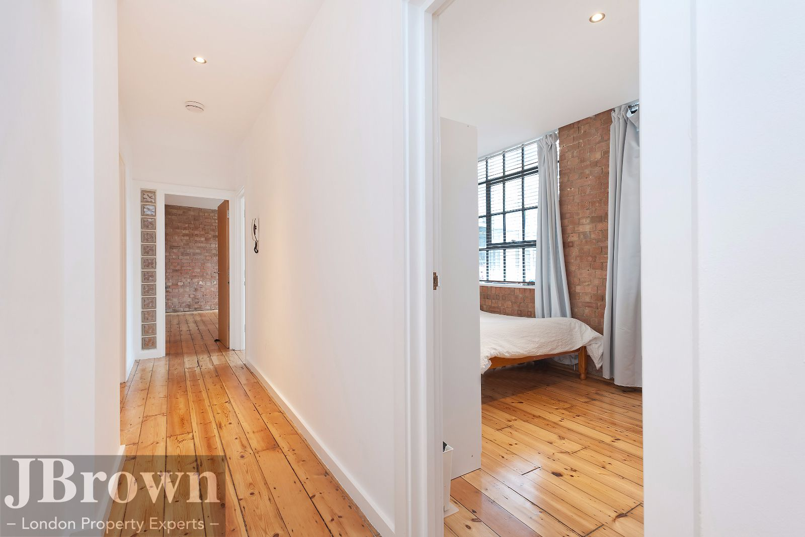 2 bed flat to rent in Nexus House  - Property Image 6