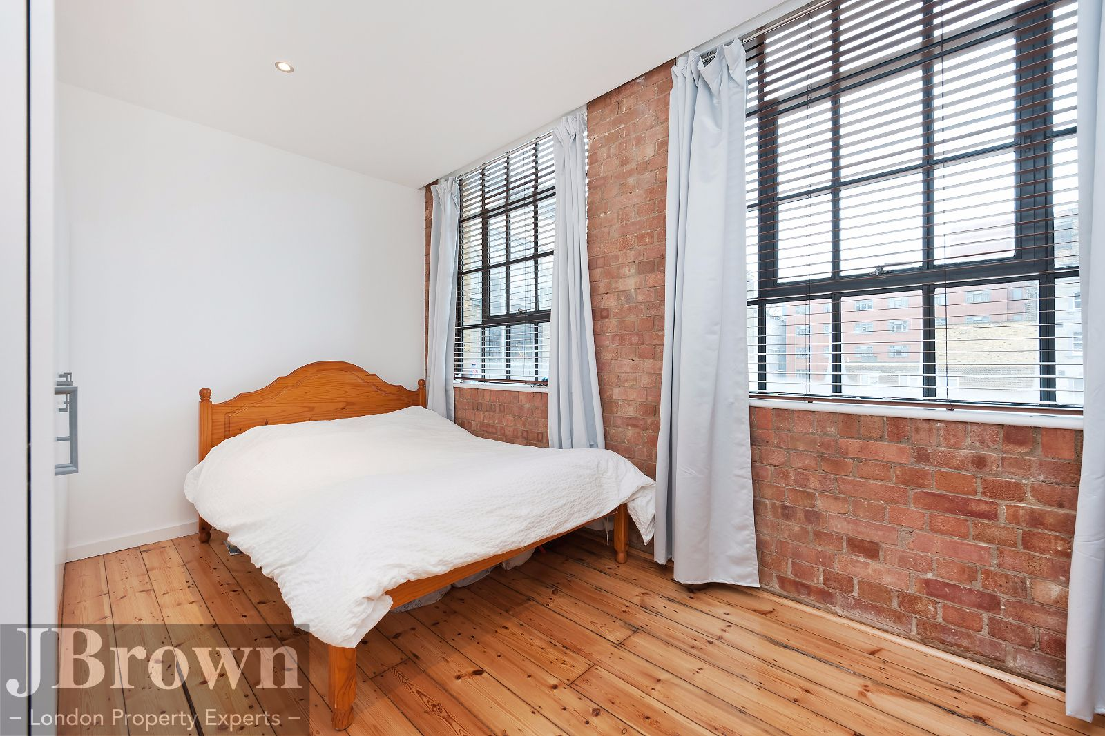 2 bed flat to rent in Nexus House  - Property Image 7