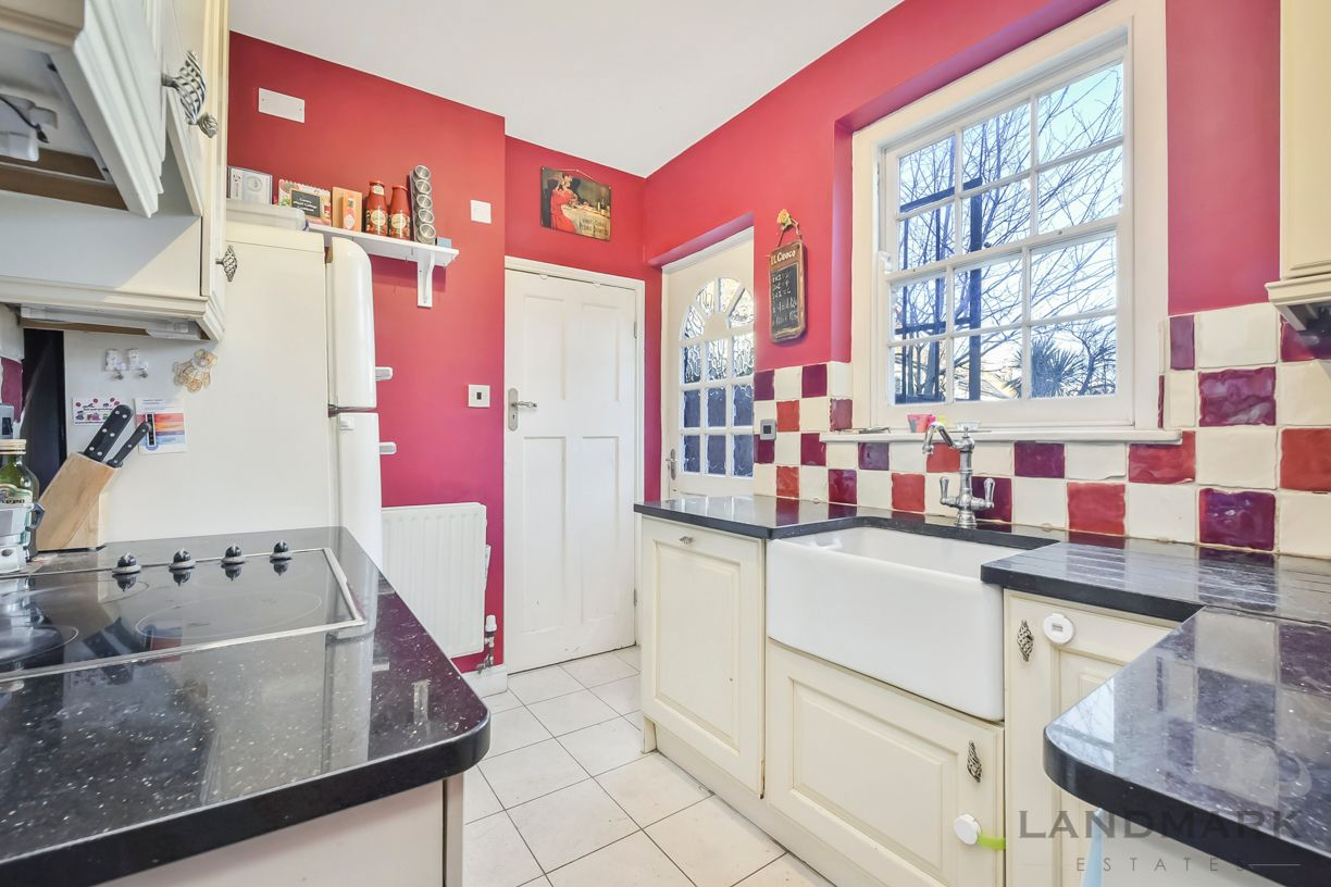 2 bed house for sale in East Ferry Road  - Property Image 2