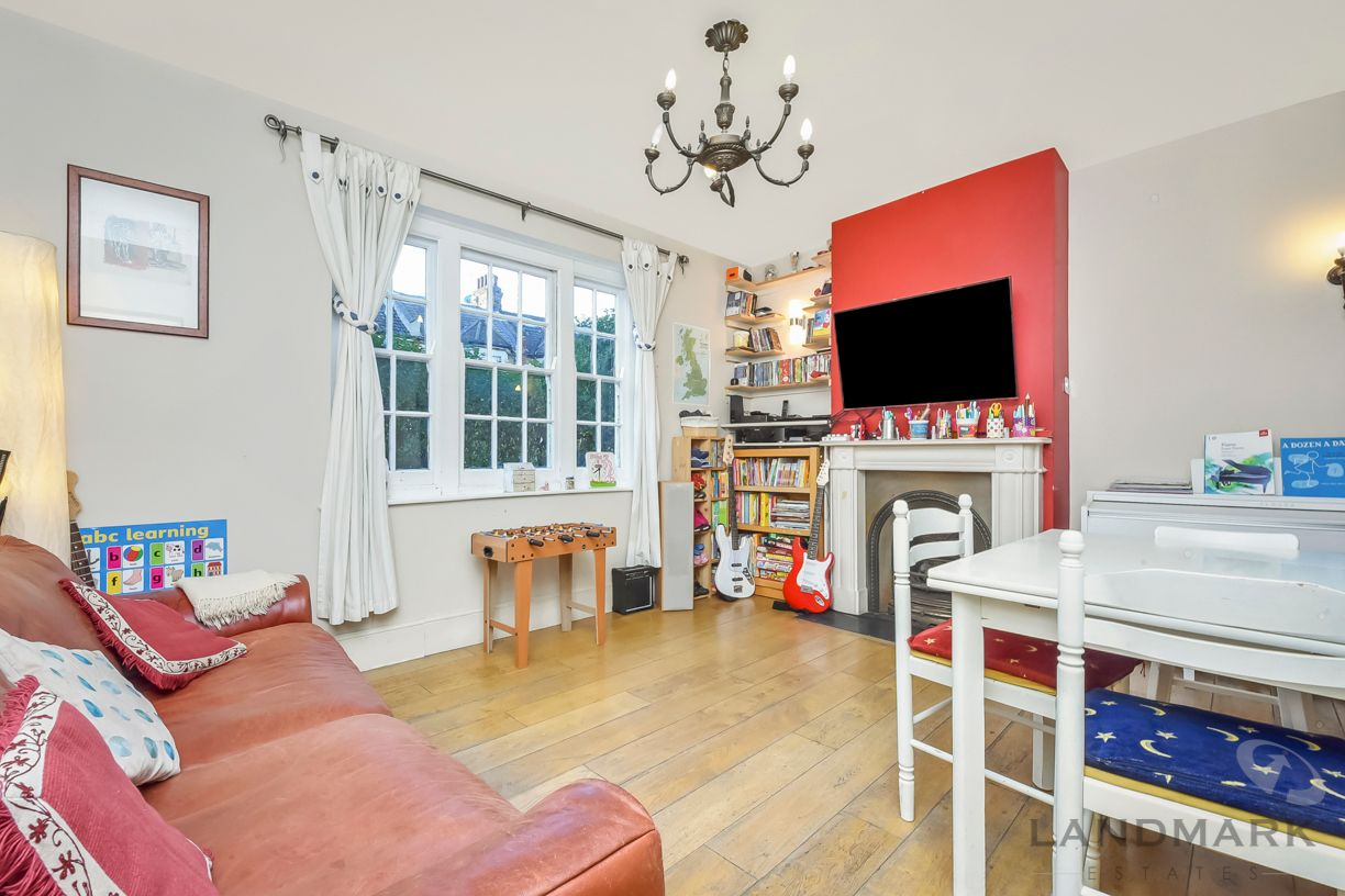 2 bed house for sale in East Ferry Road  - Property Image 3