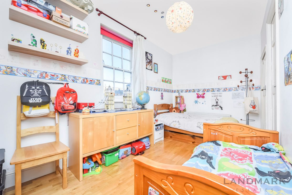 2 bed house for sale in East Ferry Road  - Property Image 5