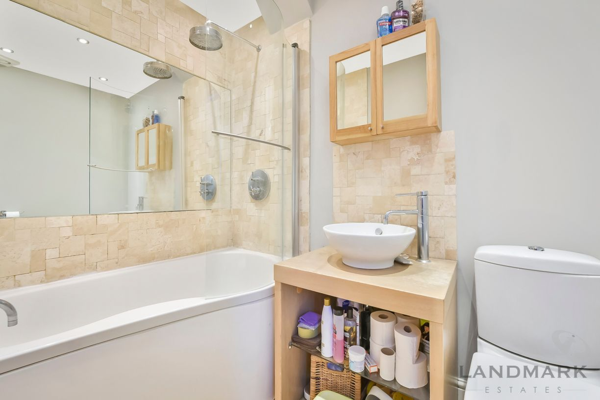 2 bed house for sale in East Ferry Road  - Property Image 6