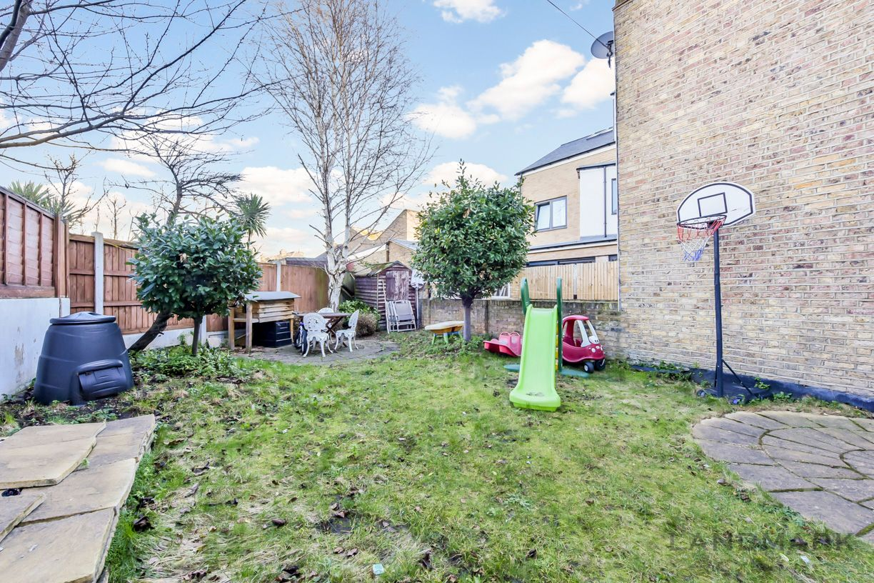 2 bed house for sale in East Ferry Road  - Property Image 7