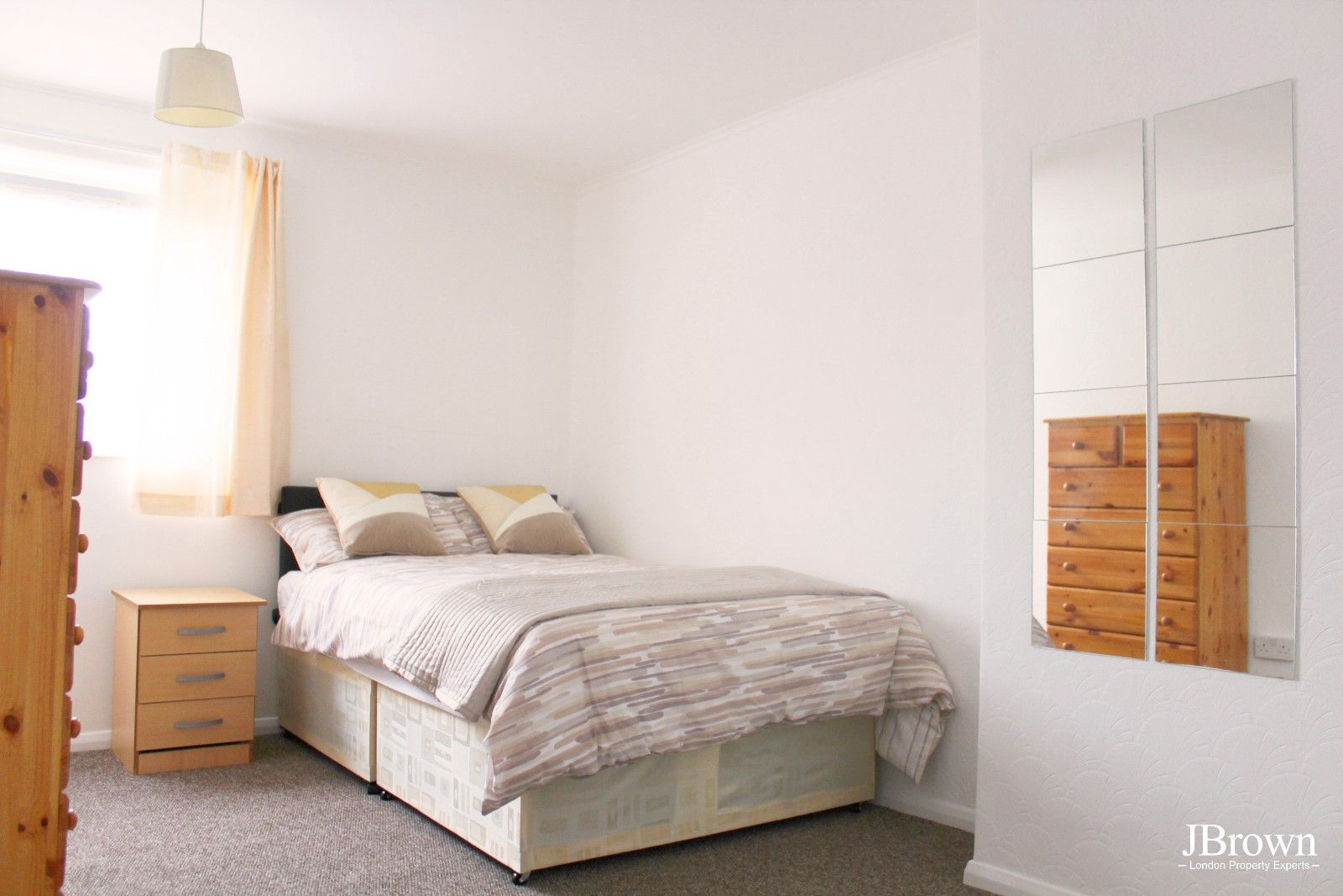 3 bed house to rent in Whitear Walk  - Property Image 3
