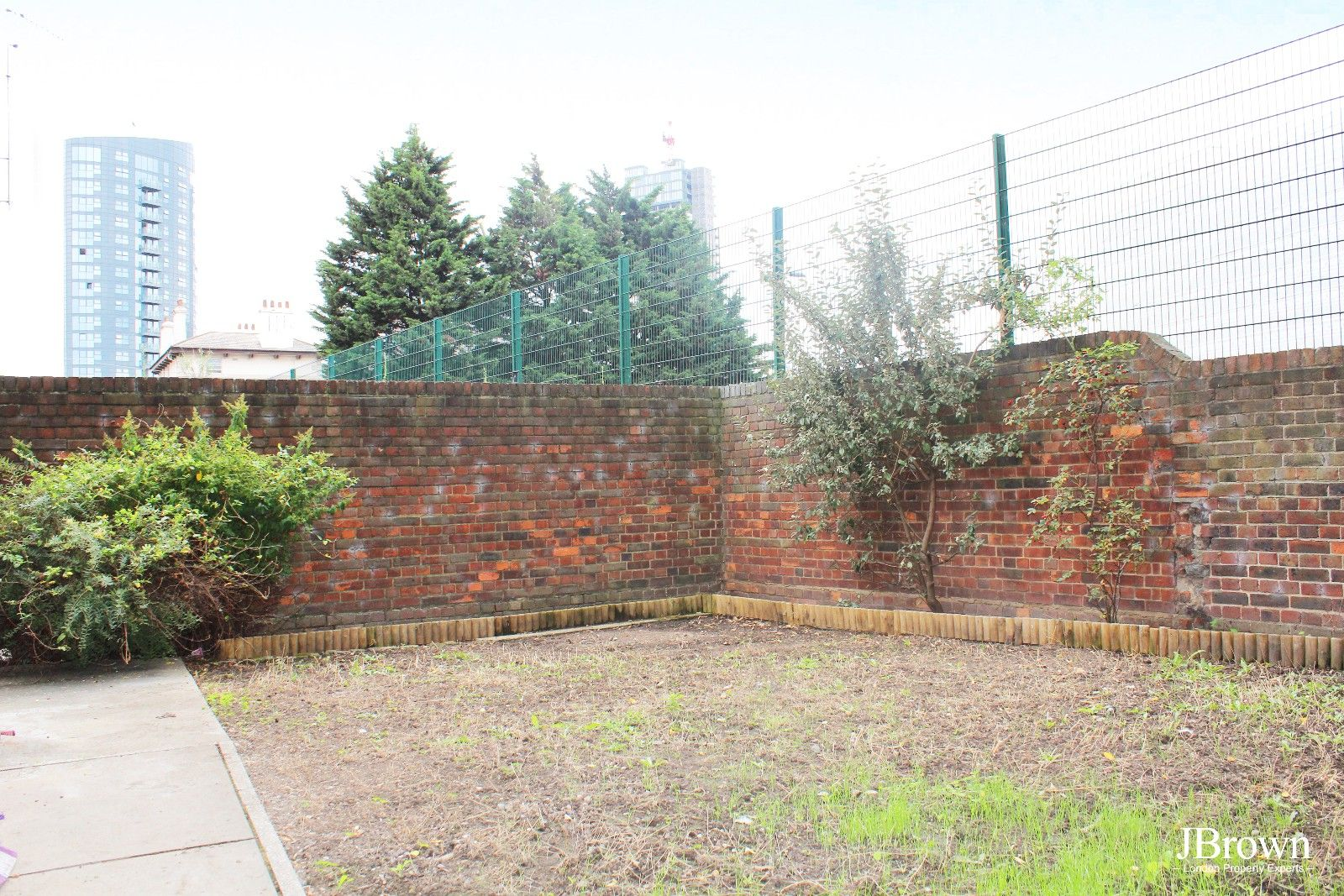 3 bed house to rent in Whitear Walk  - Property Image 4