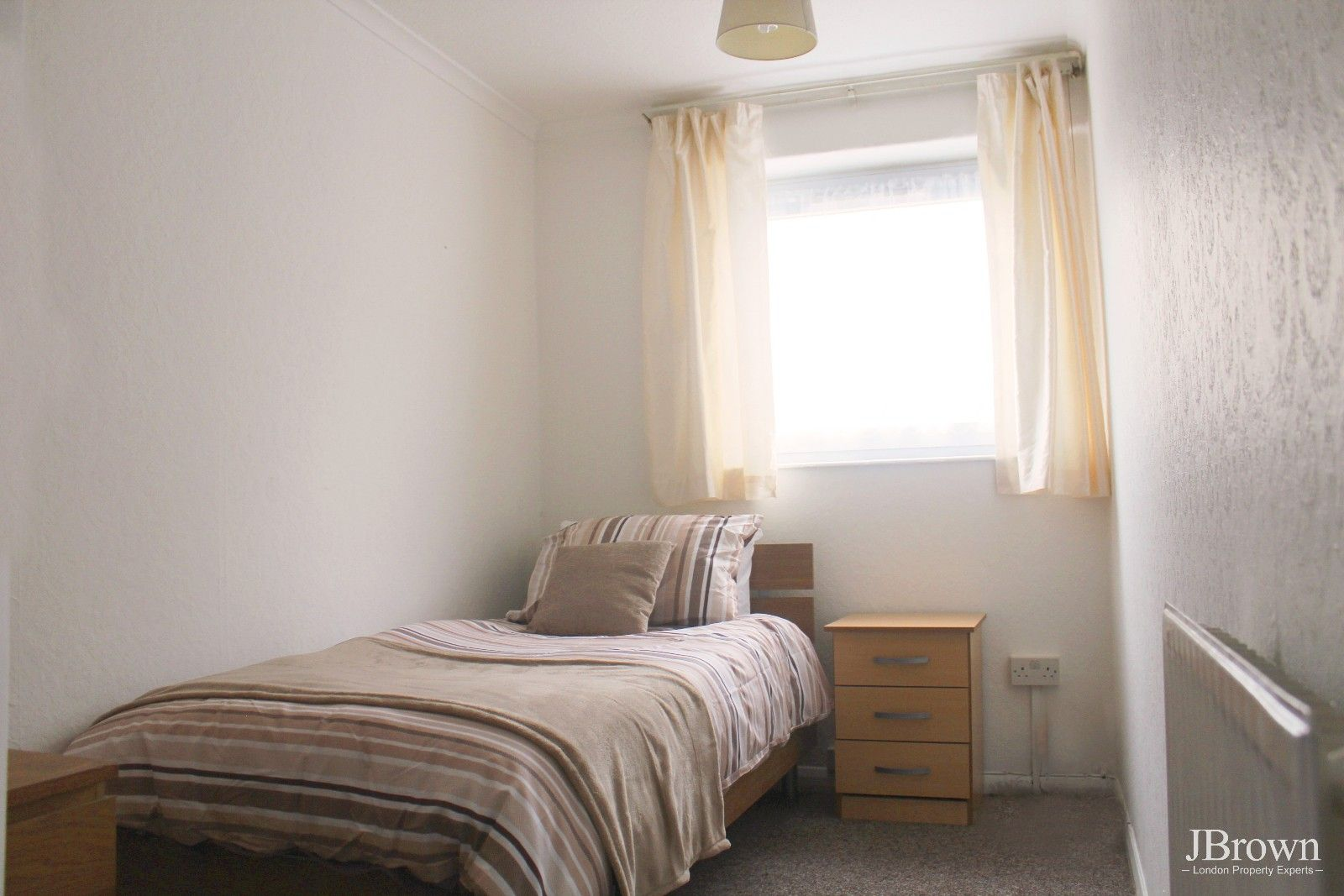 3 bed house to rent in Whitear Walk  - Property Image 5