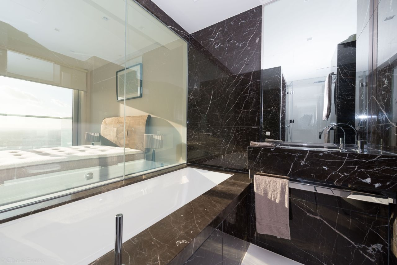 3 bed flat to rent in Pan Peninsula Square  - Property Image 4
