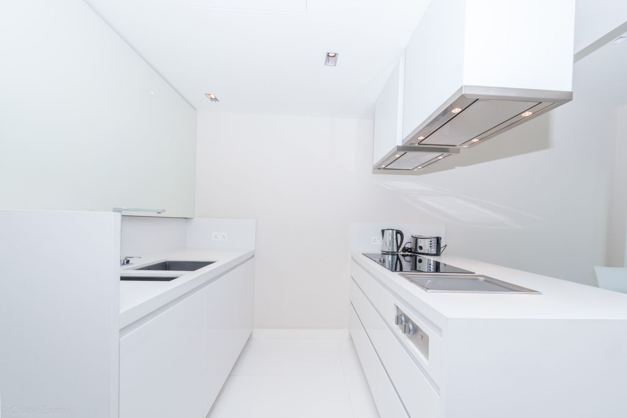 3 bed flat to rent in Pan Peninsula Square  - Property Image 5