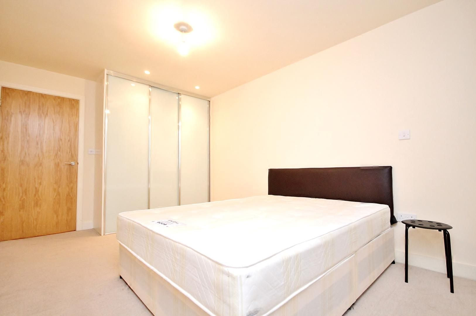 1 bed flat for sale in Fathom Court  - Property Image 2