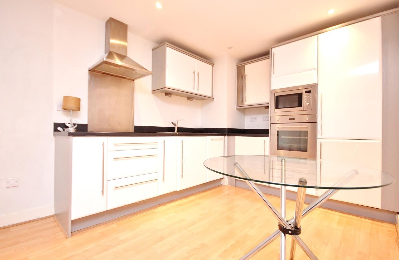 1 bed flat for sale in Fathom Court  - Property Image 3