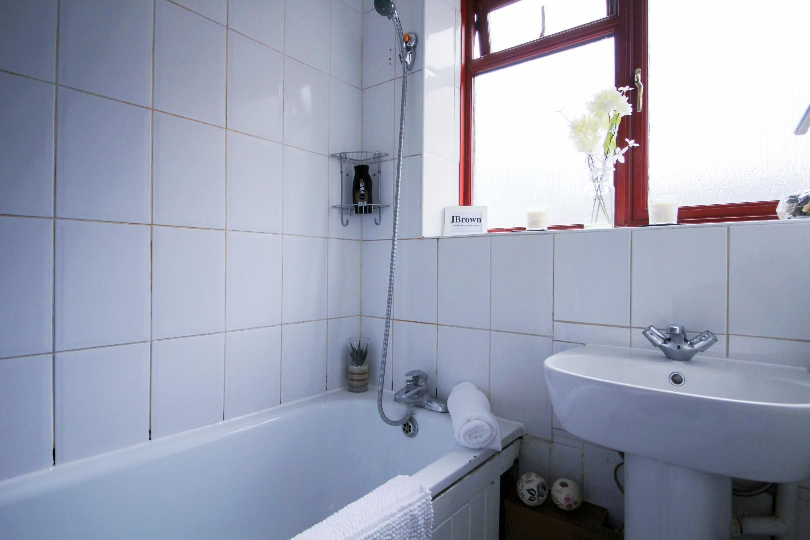 2 bed flat to rent in Wentworth Dwellings  - Property Image 7