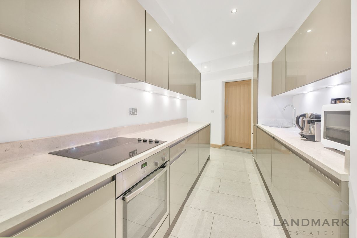3 bed house for sale in Wendell Mews, W12