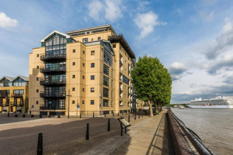 Flat to rent in Chart House  - Property Image 4