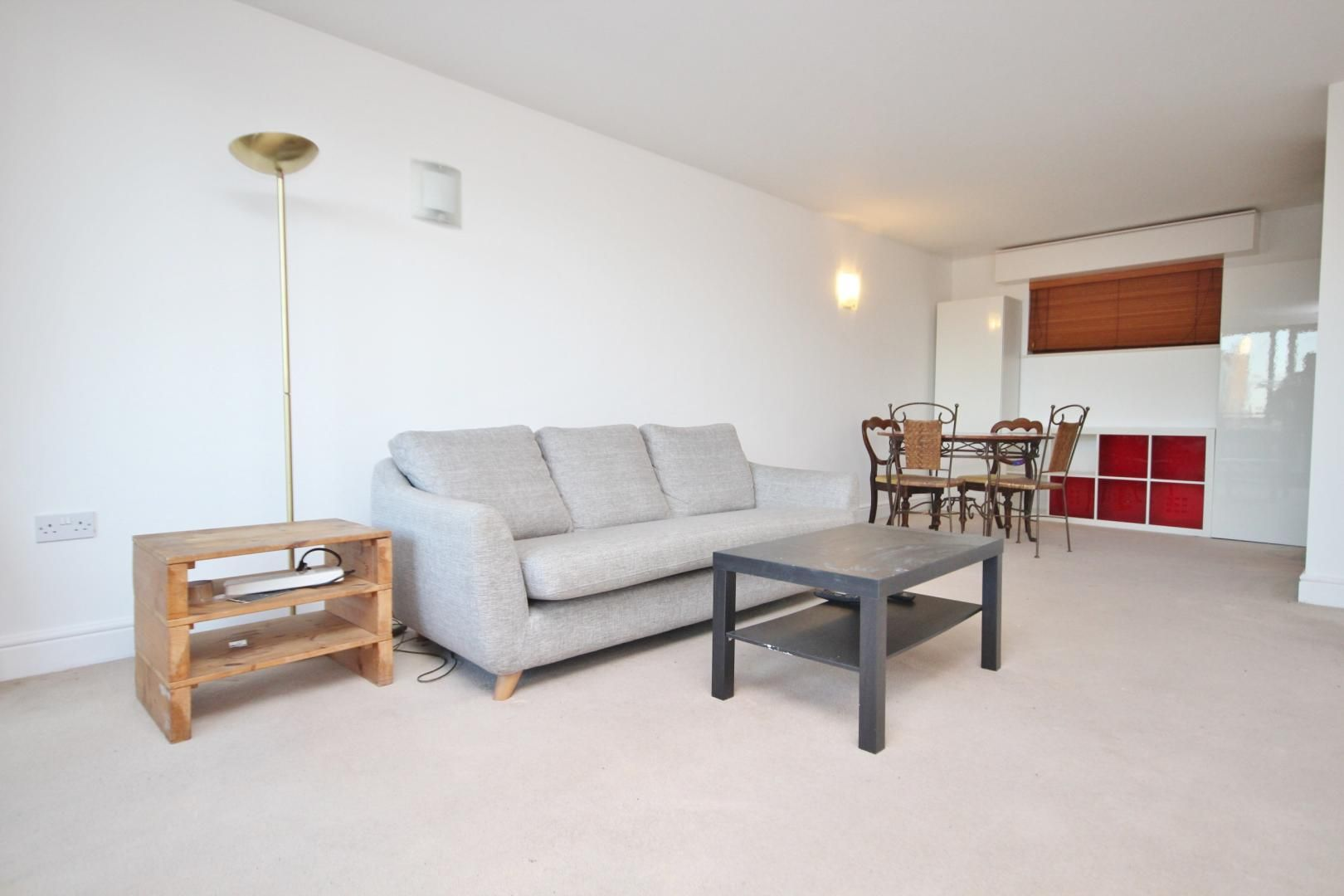 2 bed flat to rent in Naylor Building East  - Property Image 2