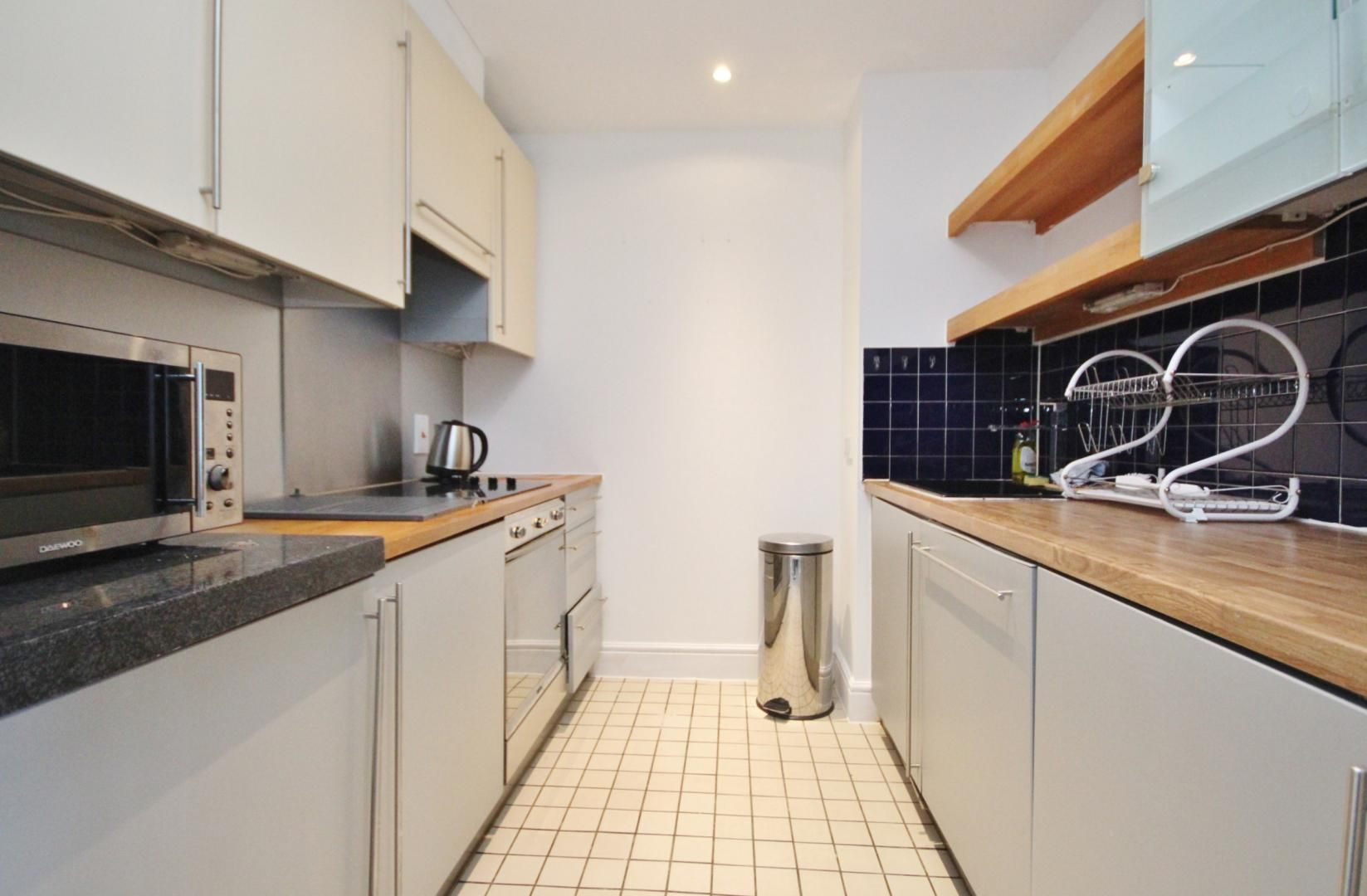 2 bed flat to rent in Naylor Building East  - Property Image 3