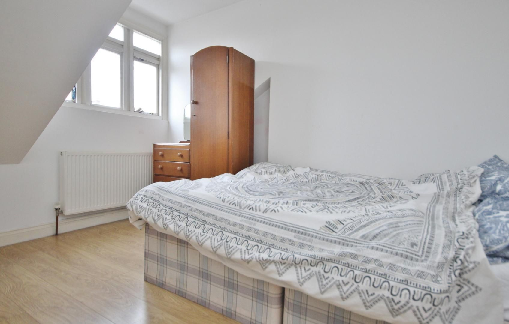 1 bed flat to rent in High Street  - Property Image 3