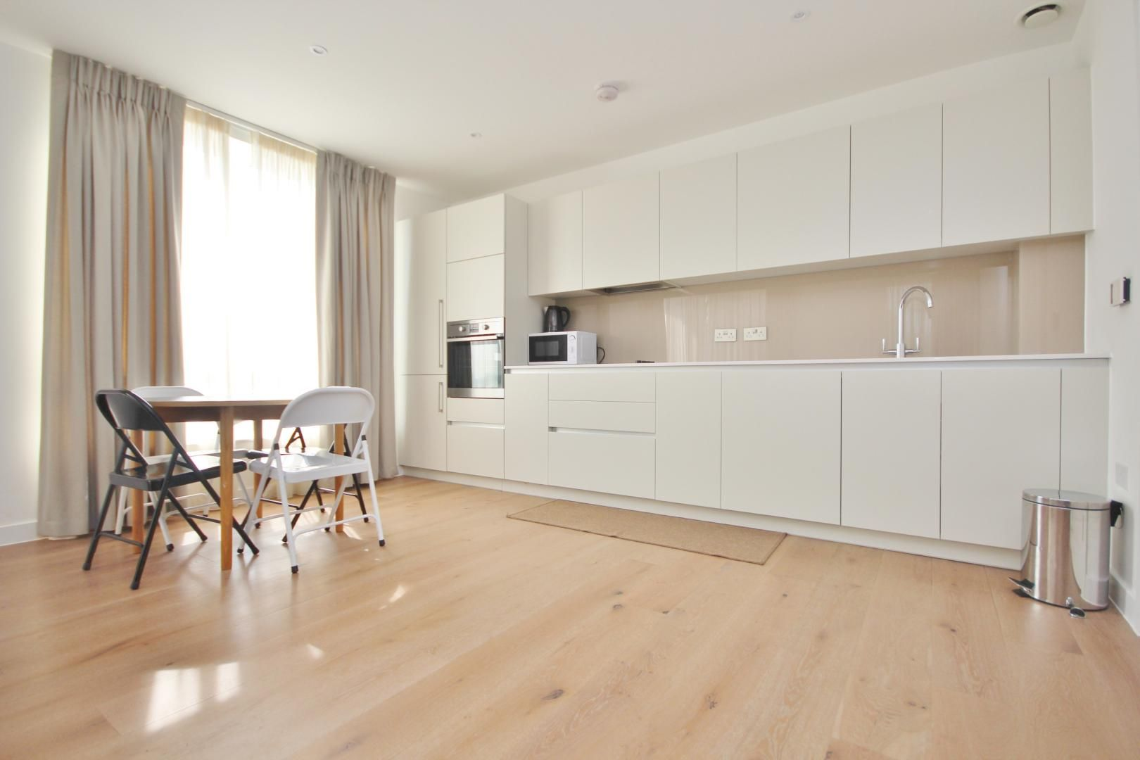 2 bed flat to rent in Ottley Drive - Property Image 1