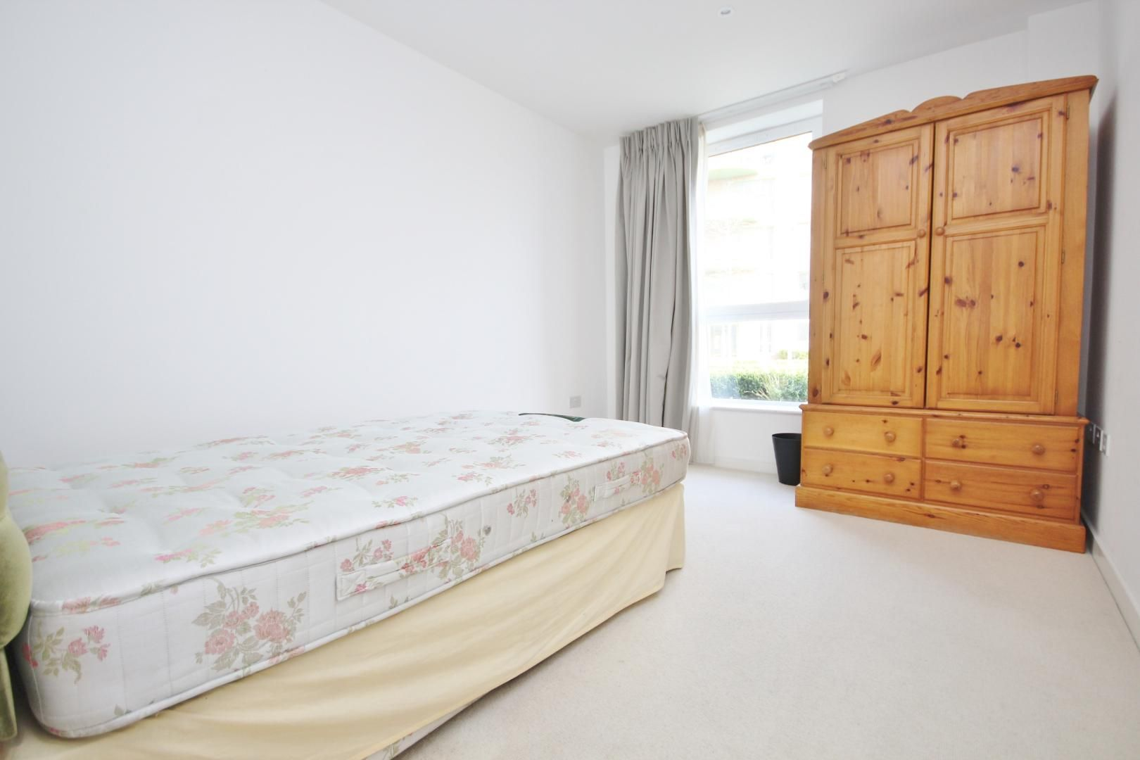 2 bed flat to rent in Ottley Drive  - Property Image 3