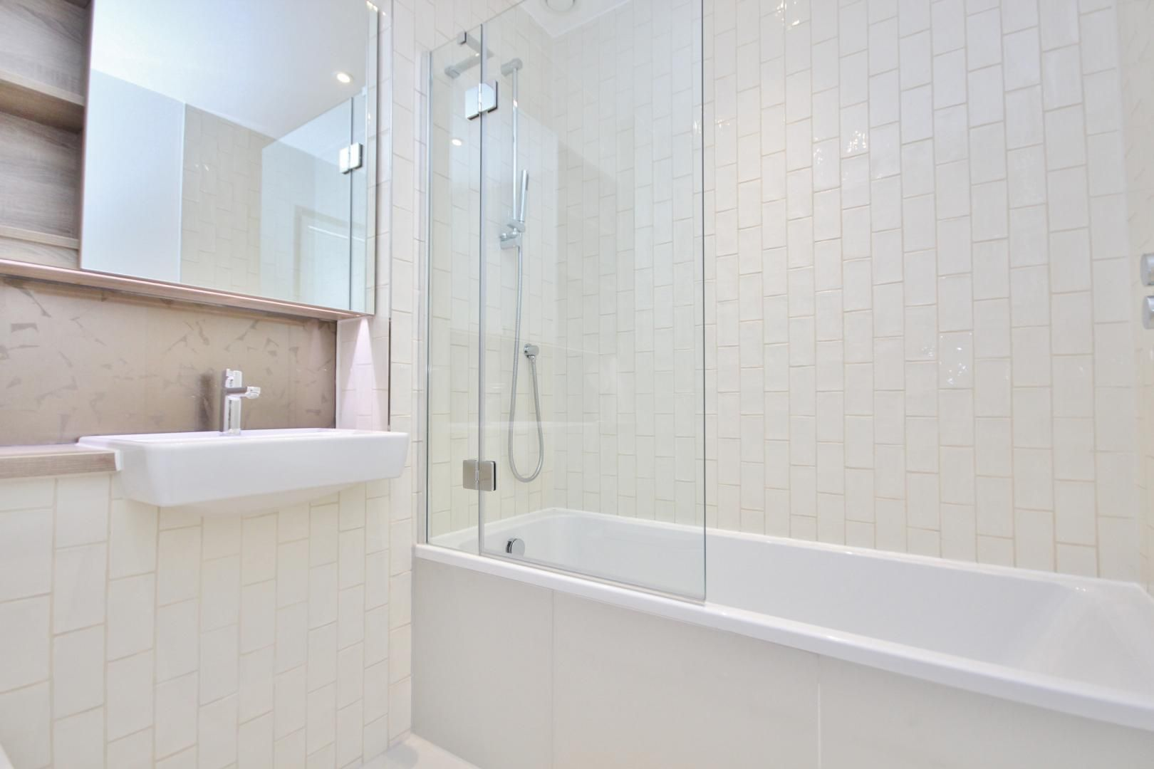 2 bed flat to rent in Ottley Drive  - Property Image 6