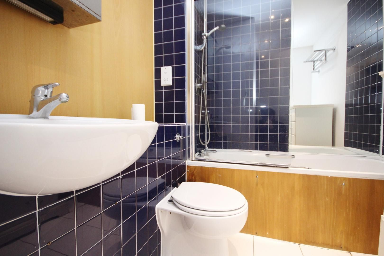 2 bed flat to rent in Acacia Road  - Property Image 2
