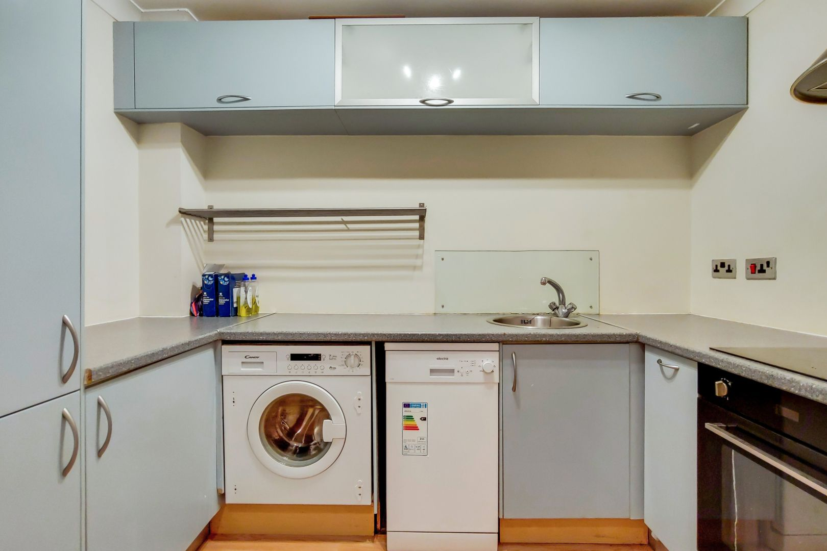 2 bed flat for sale in Brunel House  - Property Image 4