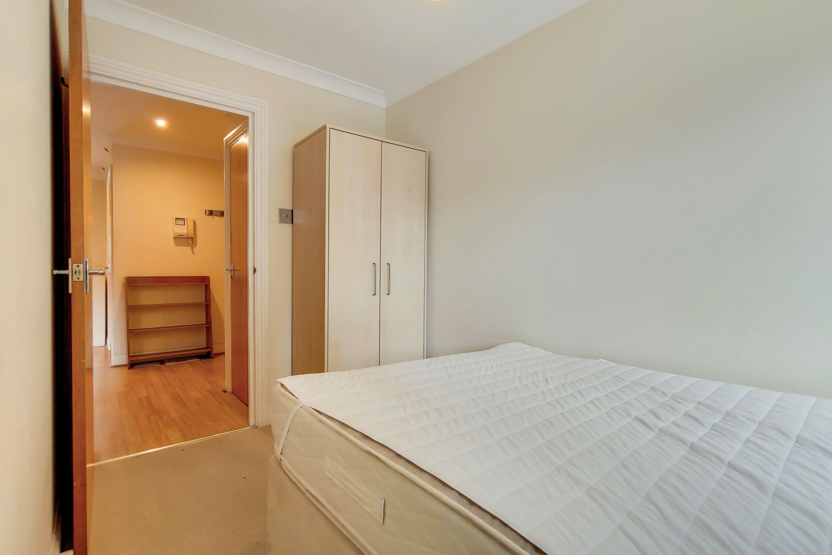 2 bed flat for sale in Brunel House  - Property Image 7