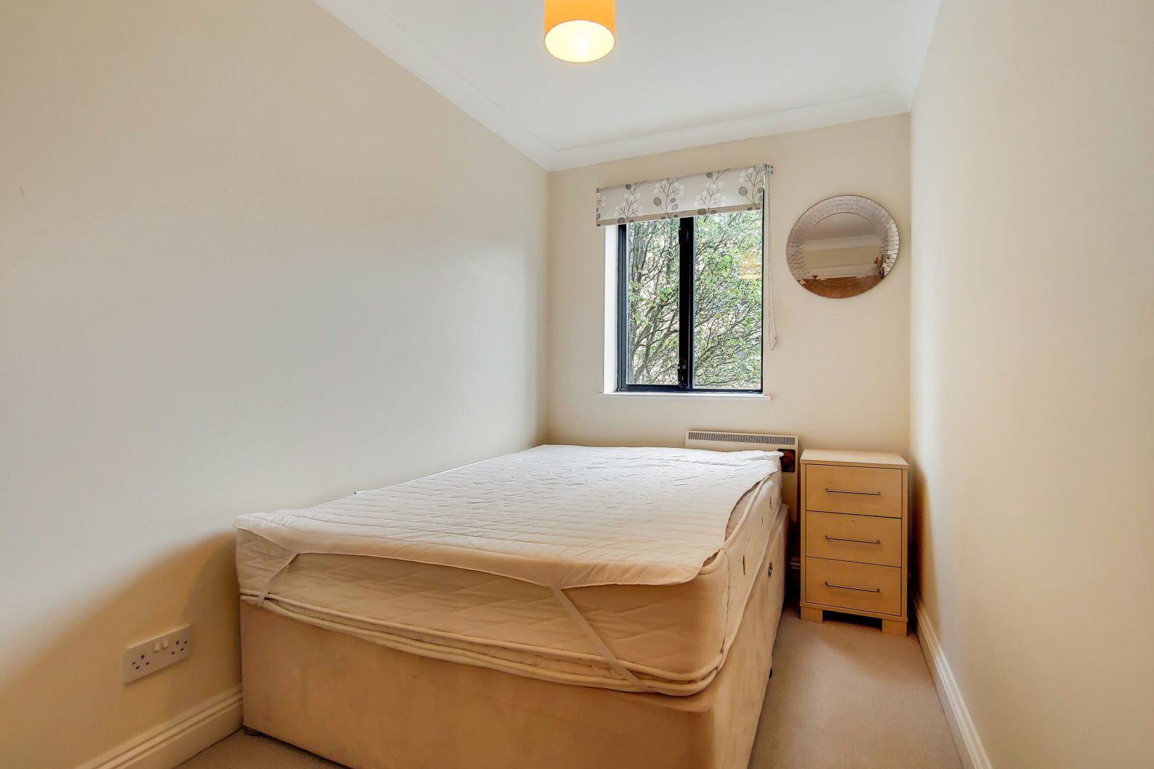 2 bed flat for sale in Brunel House  - Property Image 8