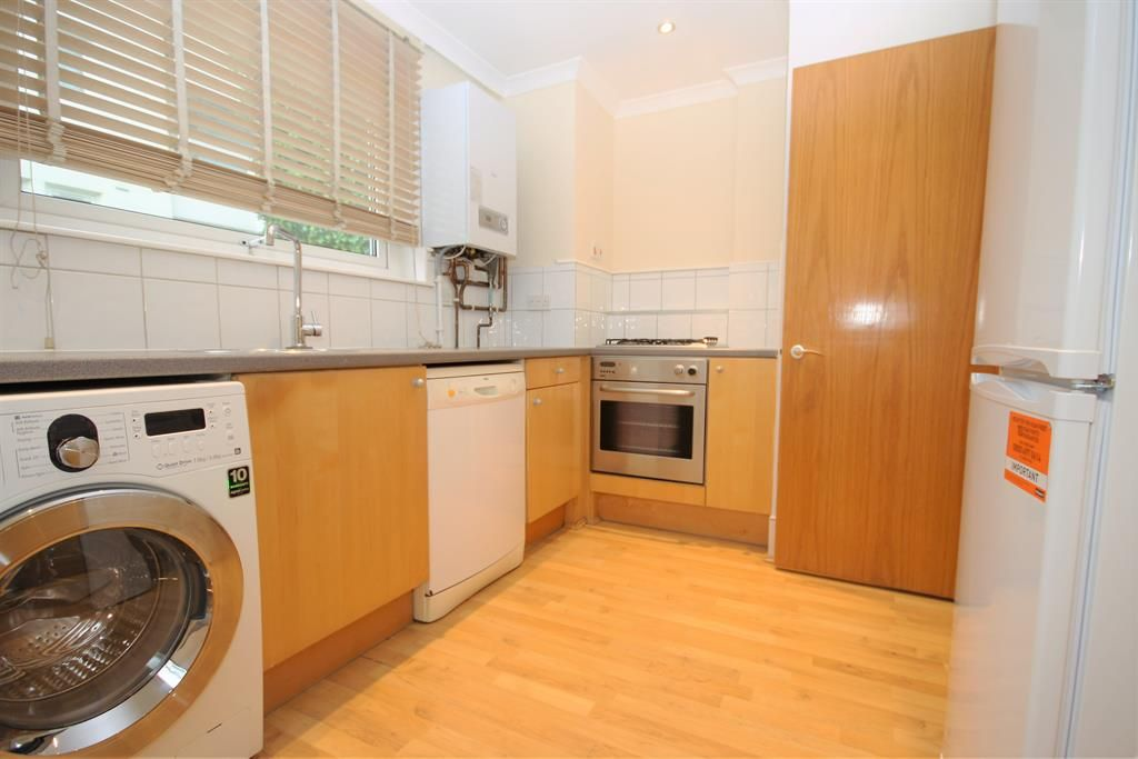 1 bed flat to rent in Barleycorn Way  - Property Image 4