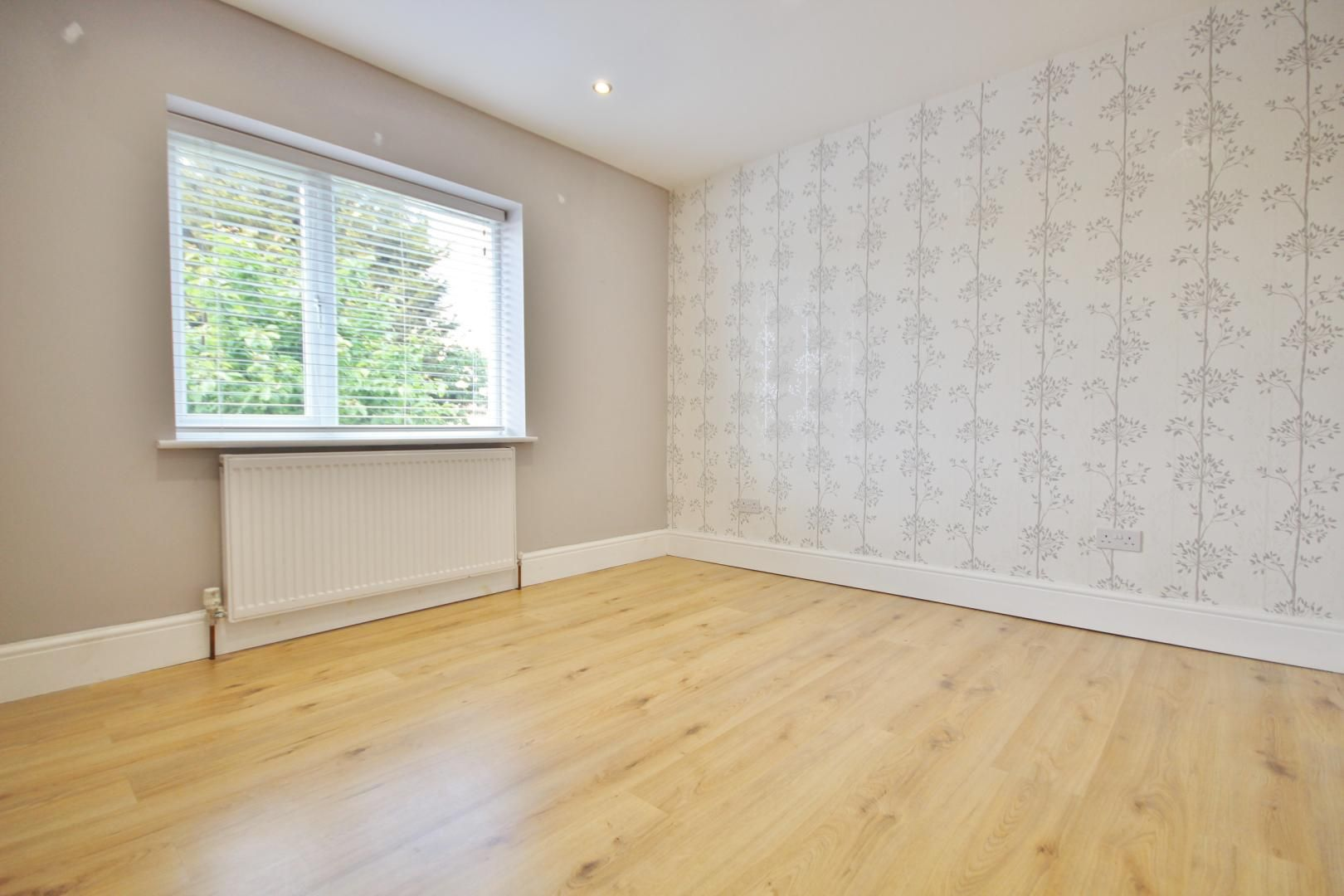 3 bed house to rent in Rosewood Avenue  - Property Image 1